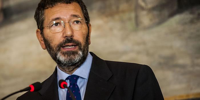 Caso scontrini, l'ex sindaco Marino condannato a due anni per peculato