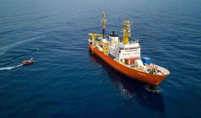 Migranti: Salvini chiude i porti italiani e scrive a Malta