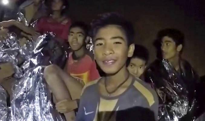 Thailandia: tutti salvi i ragazzi e l'allenatore rimasti intrappolati nella grotta