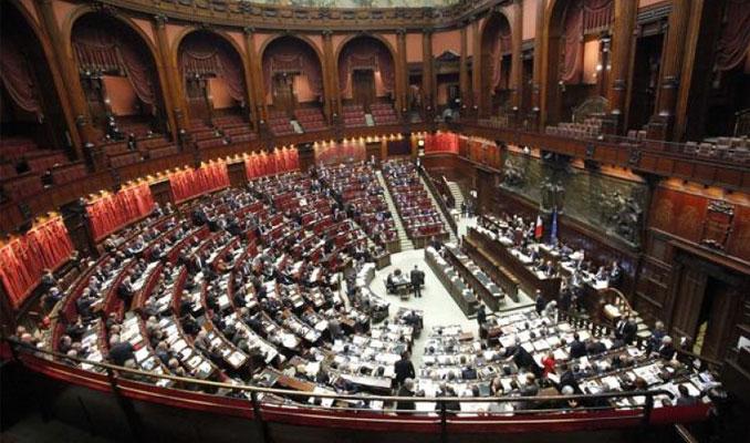 Manovra oggi il voto alla camera protesta delle for Oggi alla camera